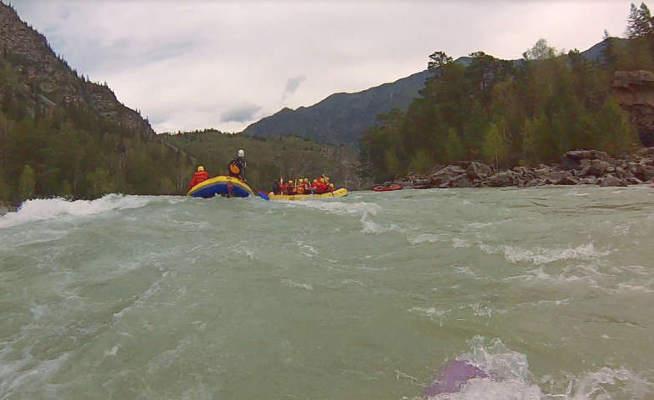 Маршрут сплава по реке Катунь имеет высокую категорию