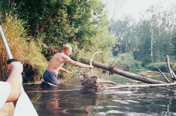 Так проходит сплав по Линде в среднем течении летом